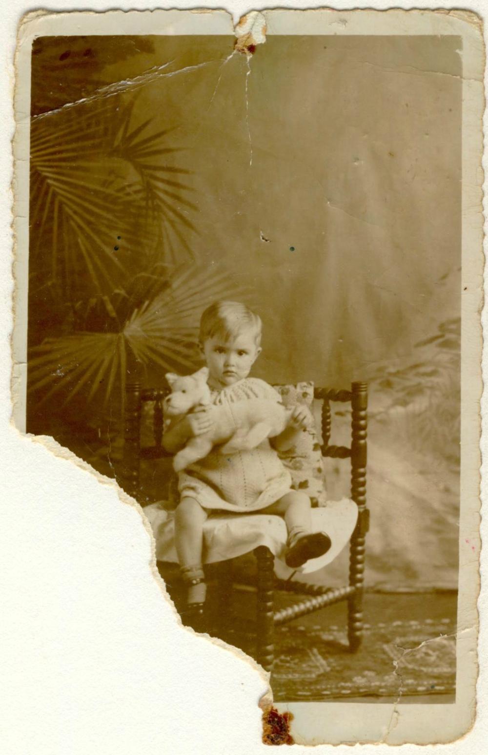 Oma, 1 jaar, 1934